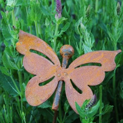 zahradní kovový zápich s patinou - motýl