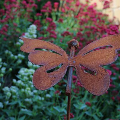 zahradní kovový zápich s patinou - motýl velký