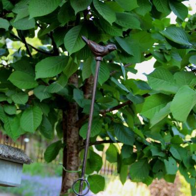 podpora k rostinám - ptáček