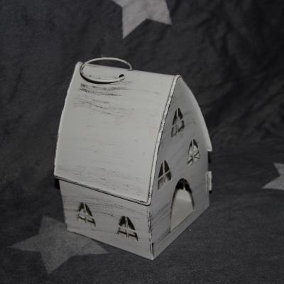 kovová lucerna  domeček