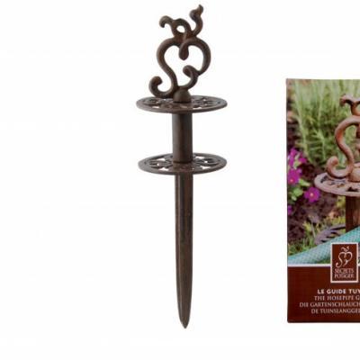 litinová zarážka pro zahradní hadici - ornament