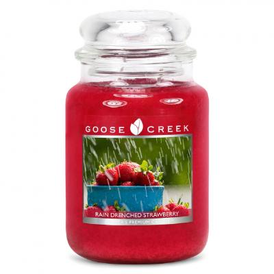 vonná svíčka GOOSE CREEK Rain Drenched Strawberry 680